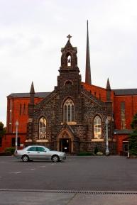 Uma das tantas igrejas de Melbourne.
